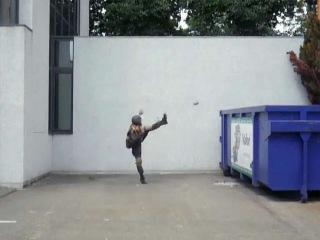 Как американцы кидают гранаты по схеме Чака Норриса.